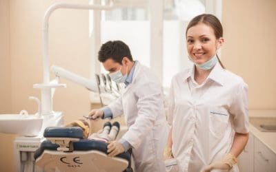 dental assistant hiring 768x512 1 400x250 - Offices Now Hiring
